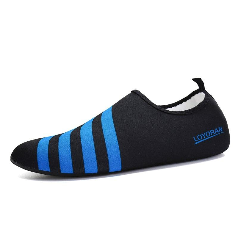 c9b24449674c Zapatos de agua zapatos de verano hombres zapatillas de playa aguas arriba  zapatos de agua mujer de secado rápido mar río sandalias calcetines de ...