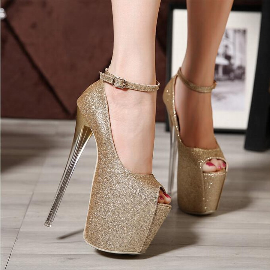 Sexy Cougars In High Heels