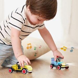 Image 2 - DODOELEPHANT 1:36 Alloy Ziehen Auto Spielzeug Diecast Modell Spielzeug Sound licht Brinquedos Auto Fahrzeug Spielzeug Für Jungen Kinder Geschenk