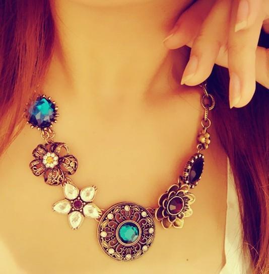 Hot Fashion Flower Choker Bib Statement Necklace Pendant Chain Necklace