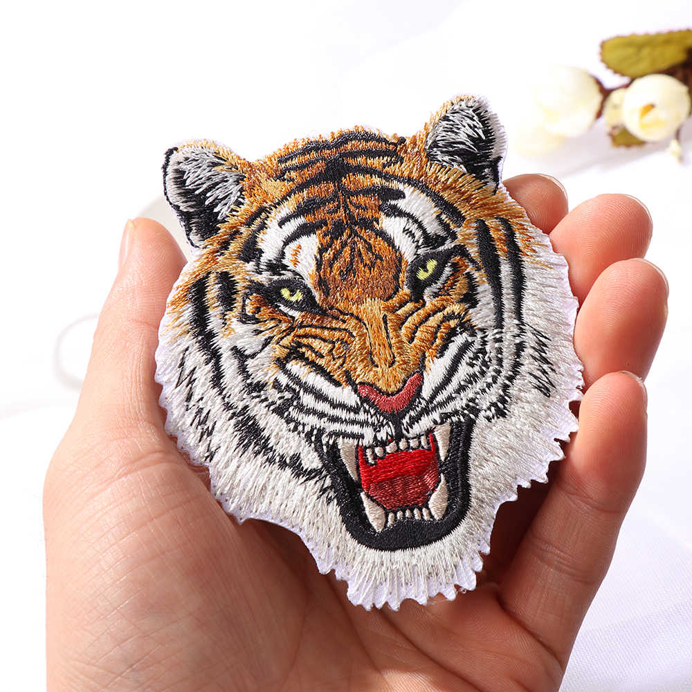 1 PC Fashion Leopard Tiger Lion Wolf Bordir Besi Pada Patch untuk Pakaian Bordiran DIY Topi Mantel Gaun Aksesoris Kain stiker