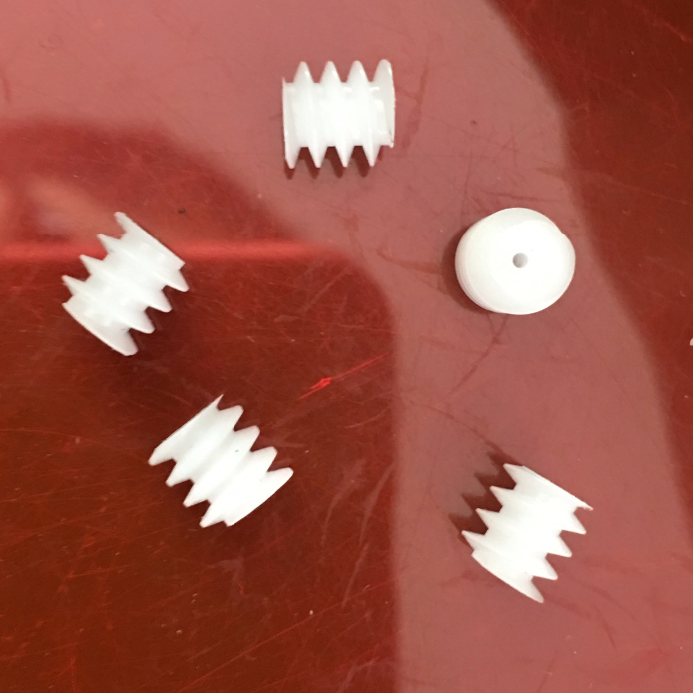5pcs Sale J654Y Middle Hole 0.9mm 6*6mm 0.5module Plastic Worm Gear Free Russia Shipping