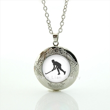 2017 Collares Collier Luxurious Newest Glass Cabochon Locket Necklace Field Hockey Athlete Pendant Wedding Groom Jewelry T382