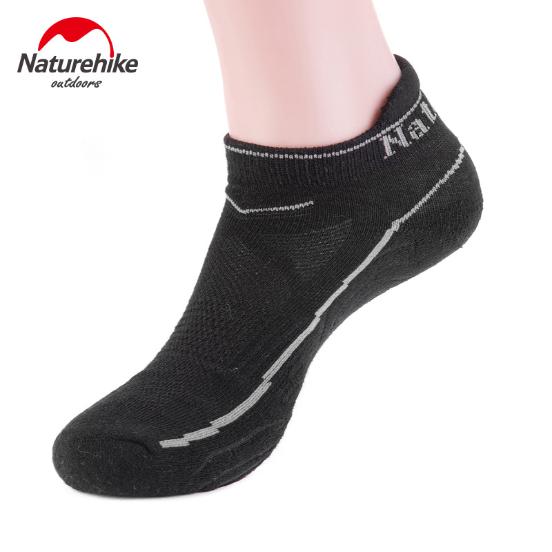 NatureHike Outdoor Men Socks Hiking Climbing Skiing Travel Running Summer Sport Socks Male Women Black White 1Pair /Lot