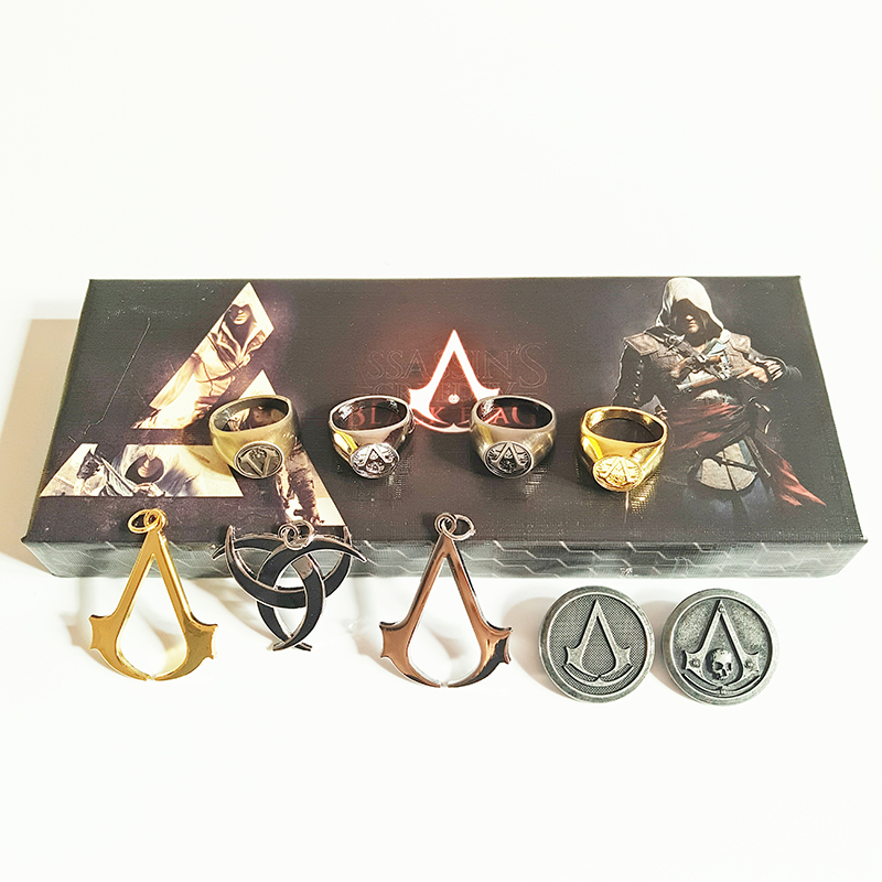10 pcs/box Assassins ghost BROOCH BADGE Assassins Creed alloy Necklace Rings Pendant Keychain Tomahawk model figures gift Toy