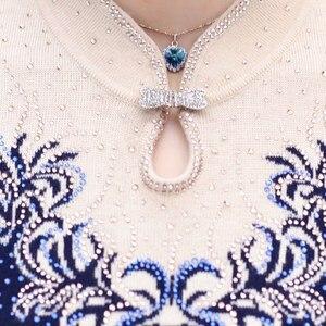 Image 5 - Suéter de Cachemira con cuello en V para mujer, jerséis para madre de mediana edad, abrigo de punto fino a la moda, blusa para mujer, prendas de punto de talla grande W1085