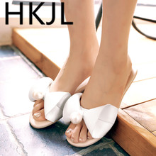 HKJL Slippers ladies fashion summer wear flat bottom with soft students pearl slippers sweet beach bow Q003
