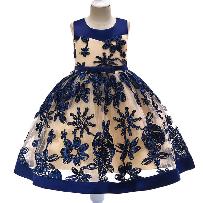 2018 flower girl wedding dress three-dimensional embroidered dress girl soft yarn princess fluffy dress children Christmas dress 2018 children s catwalk tail dress large children s flower princess sequin embroidered children s dress