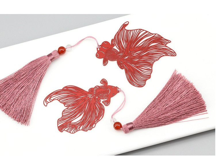 Free Shipping Bookmark Metal 20PCS Bookmarks For Books Wedding Return Gifts Kids Birthday Party Red Goldfish Gift Box In Favors From Home Garden