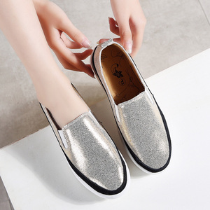 Image 2 - TKN 2019 סתיו נשים דירות נעלי גבירותיי פלטפורמת להחליק על נעלי עור עבה סוליות Tenis Feminino סניקרס Creeper אישה 8835
