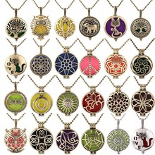 New Wholesale Antique Necklace Vintage Pendant Perfume Aromatherapy Essential Oil Diffuser Jewelry Open Aroma Lockets