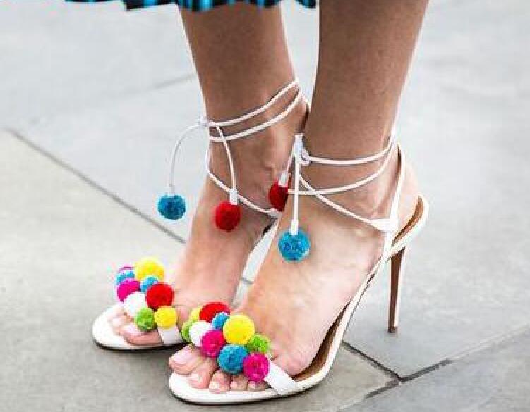 Di Modo Signore Toe Pattini Alla Tacchi Up Fasciatura Pom Donna Sexy Lace Multicolore Vestito Caviglia Delle Open Sandali Partito Femminile Alti Scarpe zpAx0P