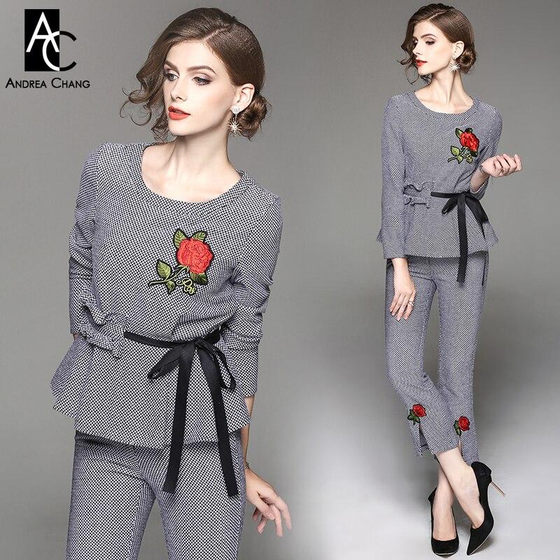 802f57dc0f66 Autunno inverno donna vestito rosa rossa ricamo petto pantaloni inferiore  cintura nera nero bianco plaid pattern pantaloni giacca outfit suit in  Autunno ...