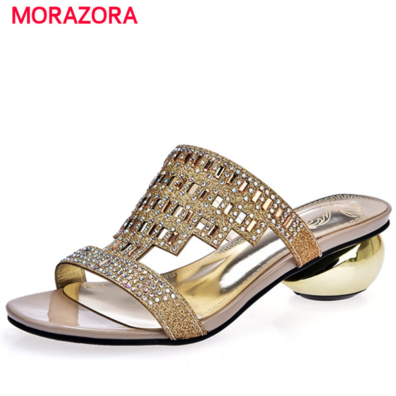 MORAZORA Large size 34-43 med heels shoes 4cm rhinestone two colors summer shoes sandals women fashion party shoes PU купить