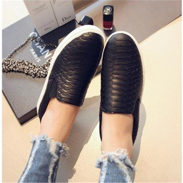 Spring and autumn casual women shoes Serpentine surface women flat slip fashion Bost shoes comfortable Loafers
