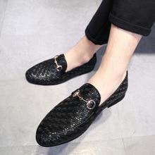Gaun pesta mens baru sepatu kasual mengemudi slip padat bernapas di bisnis fashion Pola buaya merah bawah emas hitam