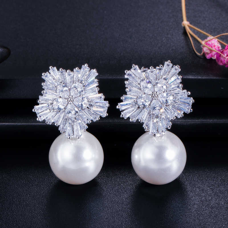 CWWZircons Top Quality Silver Color AAA+ Cubic Zirconia Flower Women Big Pearl Necklace Pendant and Earrings Jewelry Sets T049