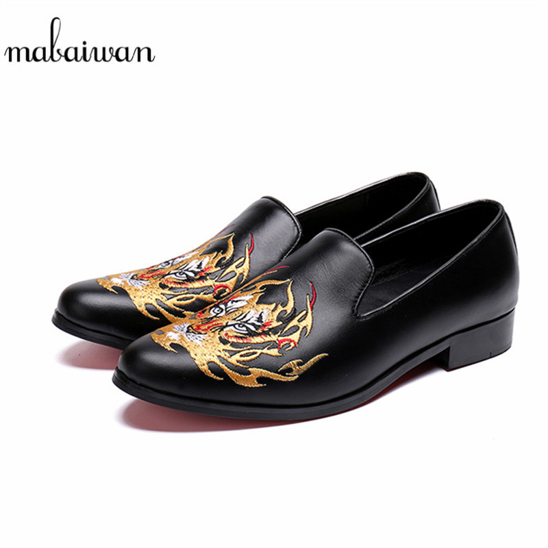 Mabaiwan Brand Luxury Casual Men's Shoes Gold Embroidery Handmade Black Genuine Leather Dress Shoes Men Slip On Loafers Flats new fashion gold snakeskin pattern loafers men handmade slip on leather shoes big sizes men s party and prom shoes casual flats