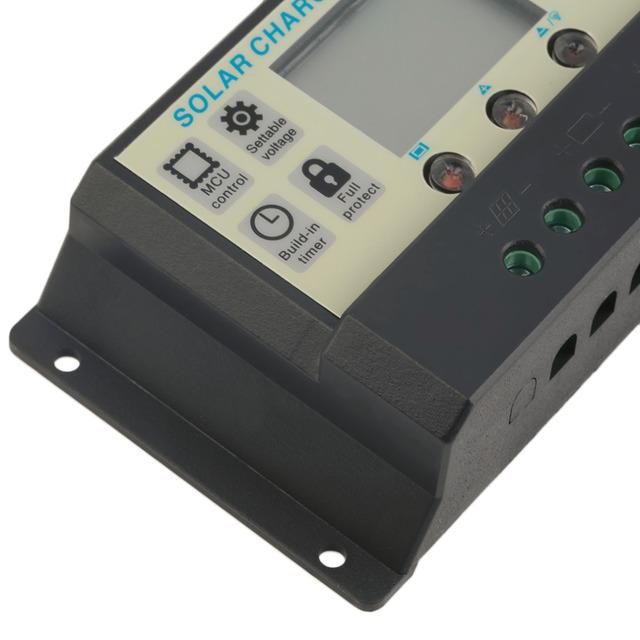 New 10A 12V 24V Solar Panels Battery Charge Controller 10Amps lamp Regulator Wholesale 2017