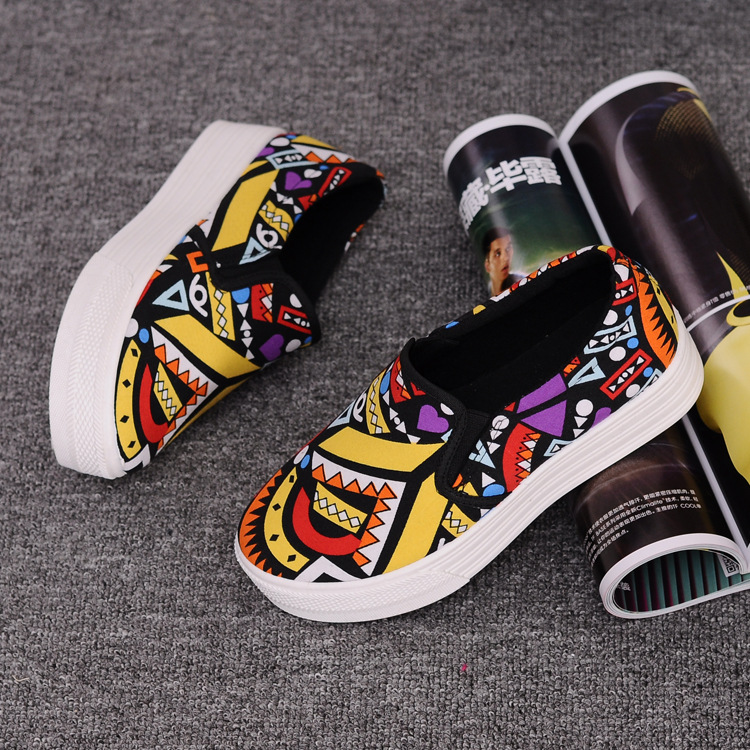 Canvas Shoes Women Girl 2016 New Footwear Female Slip On Platform Casual Shoes Flatform Autumn Graffiti Round Toe Loafers Flats (10)