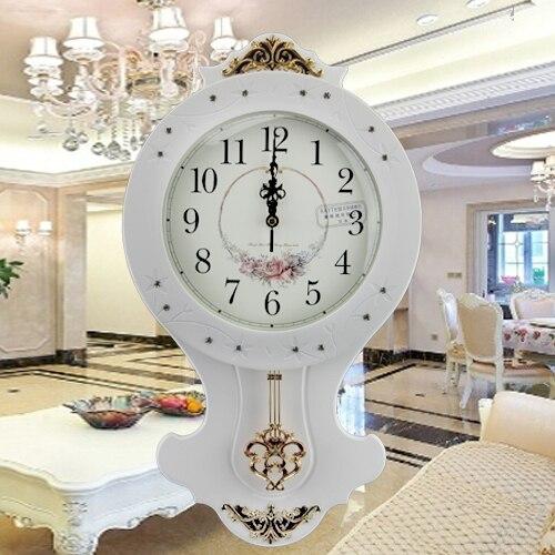 European Retro Living Room Wall Clock White Wood Craft Environmental High Quality Luxury Clocks Vintage Metal