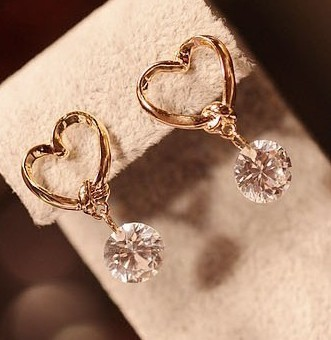 1pc Free Shipping Vintage Earrings Love With Zircon Fashion Jewelry Heart Shaped Gold For Women Brincos Grandes In Stud From
