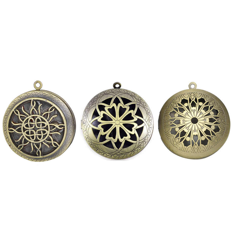โบราณ Vintage Bronze Hollow Aromatherapy Locket จี้สำหรับ DIY Cabochon Photo Essential Oil Diffuser สร้อยคอ