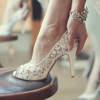 Bling Bling Flowers Wedding Shoes Pretty Stunning Heeled Bridal Dress Shoes Peep Toe White Lace Crystal
