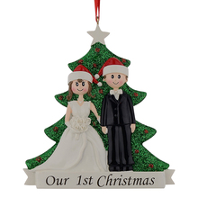 Wholesale Couple Our First Christmas Resin Glitter Tree Ornaments Personalized Gift With  Pine Tree For Holiday Party Home Decor