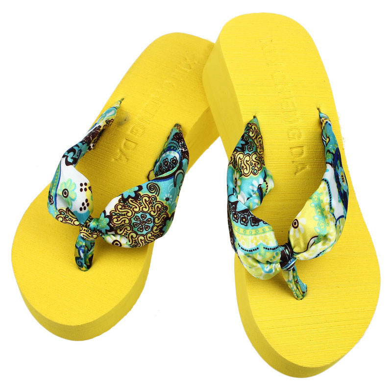 de1954f80 New arrival fashion Women Bohemia Floral Beach Sandal Wedge Platform Thongs  Slippers Lady Flip Flops-in Slippers from Shoes on Aliexpress.com