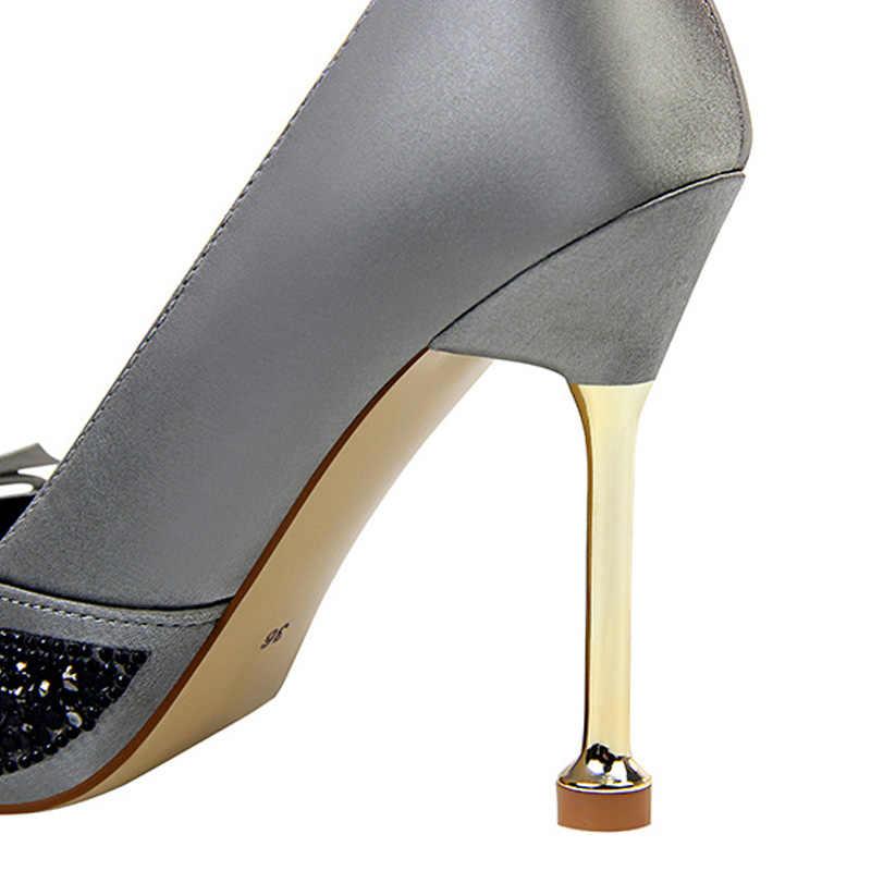 Superficiale Delle Donne Dell'arco Pompe Extrem Sexy Degli Alti Talloni Delle Donne Scarpe Delle Signore Bling Scarpe di Paillettes Scarpe Da Sposa Scarpe Da Lavoro Femminile Più szie