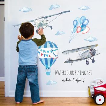 Akwarela samolot gorące powietrze ściana z balonami naklejki dla dzieci pokoje dla dzieci dekoracje do domu naklejki ścienne pcv naklejki do pokoju dziecięcego tapety tanie i dobre opinie HonC CN (pochodzenie) Naklejka ścienna samolot cartoon Meble Naklejki Na ścianie Jednoczęściowy pakiet WALL PATTERN