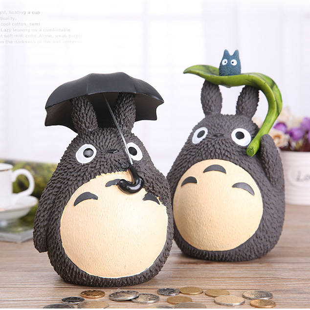 цена на 1PC Cartoon Miyazaki Hayao My Neighbor Totoro with Umbrella Leaf Doll Resin Action Figure Toys Kids Money Bank Home Collection