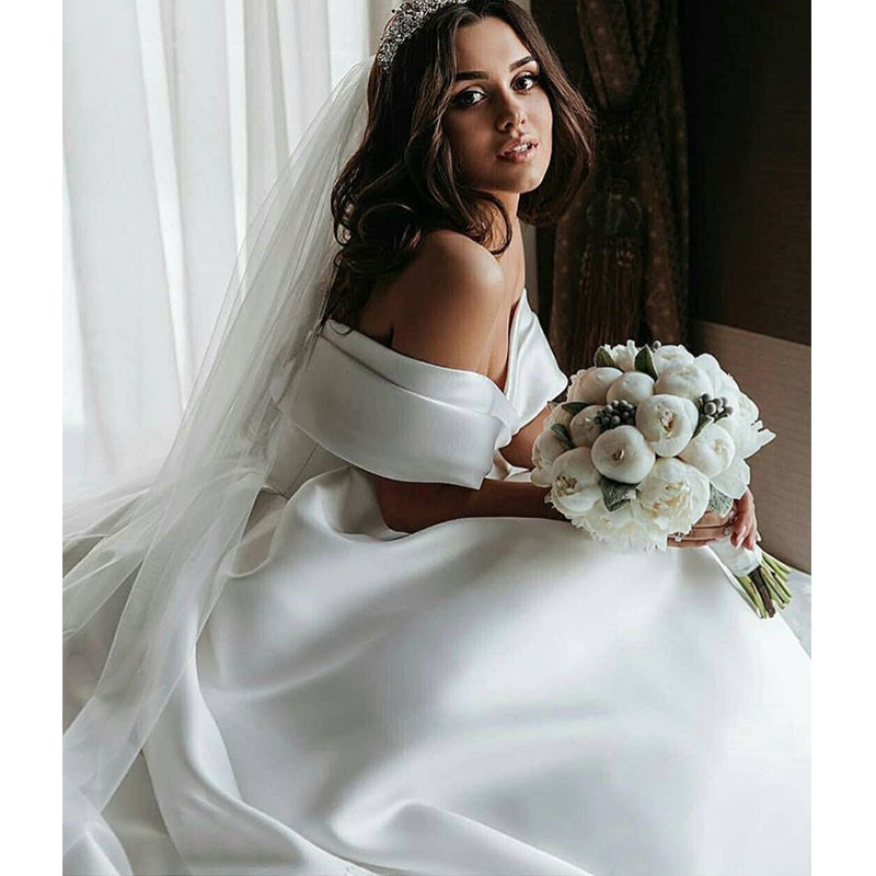 Off The Shoulder Princess Ball Gown Wedding Dresses Pleats Satin Vintage Wedding Gowns Elegant Vestidos De Noiva Cheapest