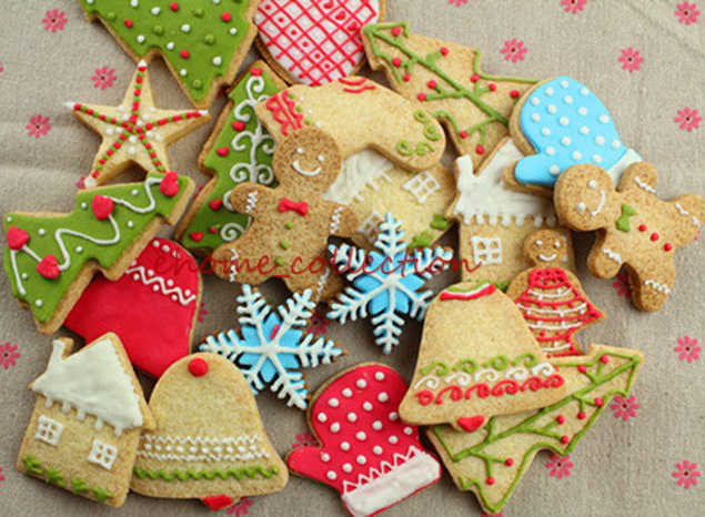 7pcs Set Christmas Cookie Cutter Tree Gingerbread Man Bell Gloves Sock Angel Biscuit Cookie Cutter Baking Mold Kitchen Tool