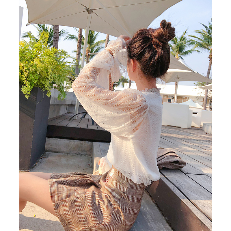 Mishow  Floral Lace Blouse Shirt Women Petal Sleeve White Blouse Spring Summer Hollow Out Tops Sweet Blouse Blusas MX18A4728
