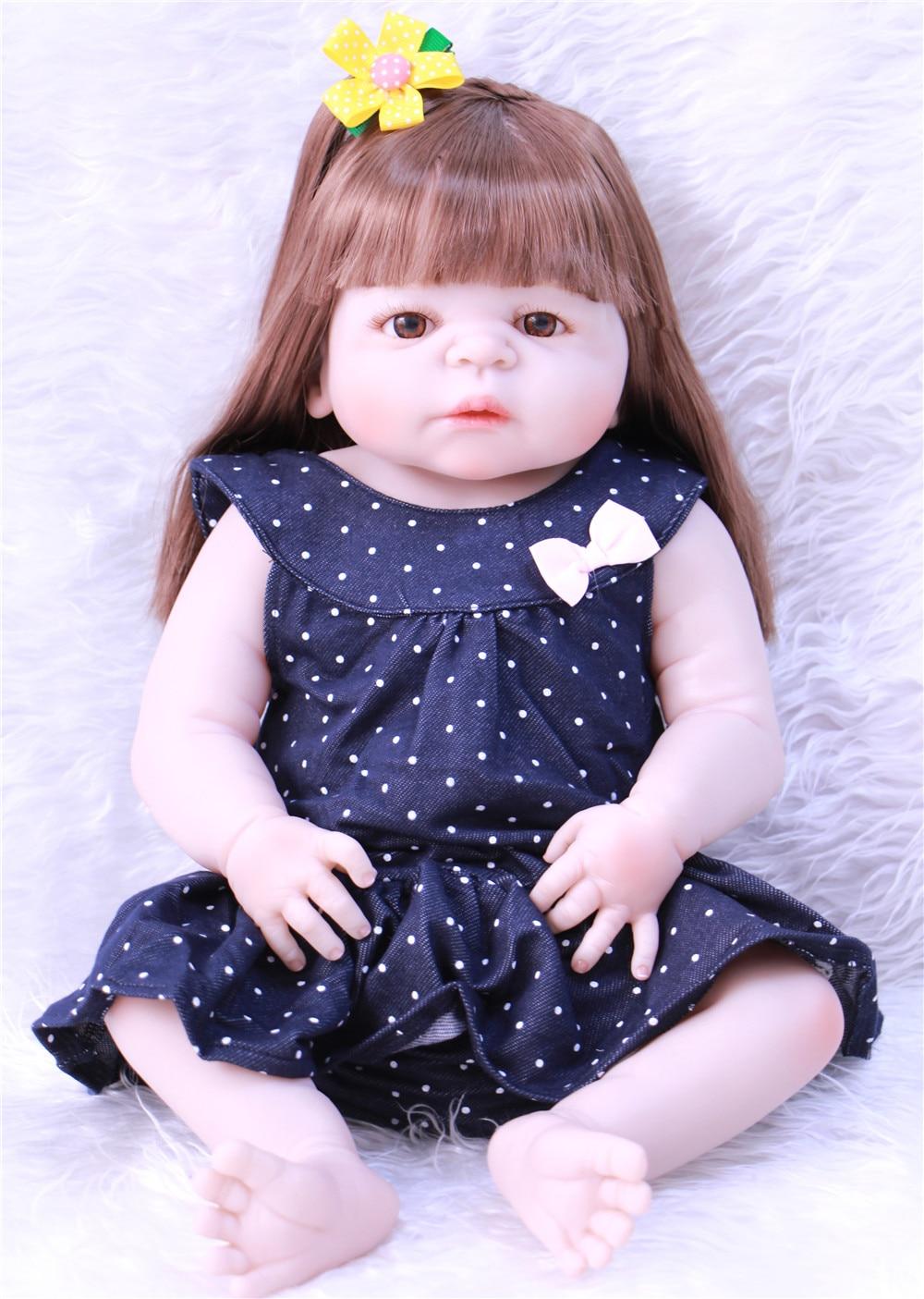 55 cm Tubuh Penuh Silikon Reborn Boneka Bayi perempuan Mainan 22 inch baru  lahir Putri Balita Bayi Dolls Mandi Toy Bermain Rumah Mainan bonecas di  Boneka ... 31cbacf1d1