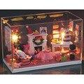 G004 DIY casa de vidro Casa de Bonecas Móveis Em Miniatura Diy 3D De Madeira Miniaturas alegria com Tampa Protetora Contra Poeira Do Natal presentes de Natal