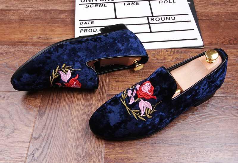 Blauw Fluwelen Jurk Trouwschoenen Borduren Kant slip Loafers Flats Hombre Sapatos 2018 Nieuwe Vintage Rijden Casual Schoenen