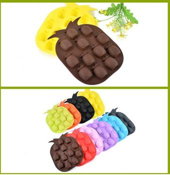 Wholesale Ice Cream Tools Brand New Ice Maker Mould Bar Party Drink Ice Tray Pineapple Shape Ice Cube Freeze Mold