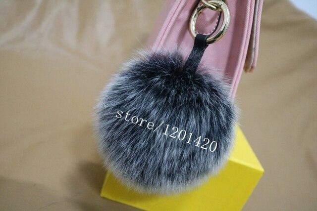 15 - 16 cm Frost gris de piel de zorro Pompom bolsa encanto bichos bolsa anillo dominante del coche colgante del bolso de lujo de la felpa mujer mullido accesorios
