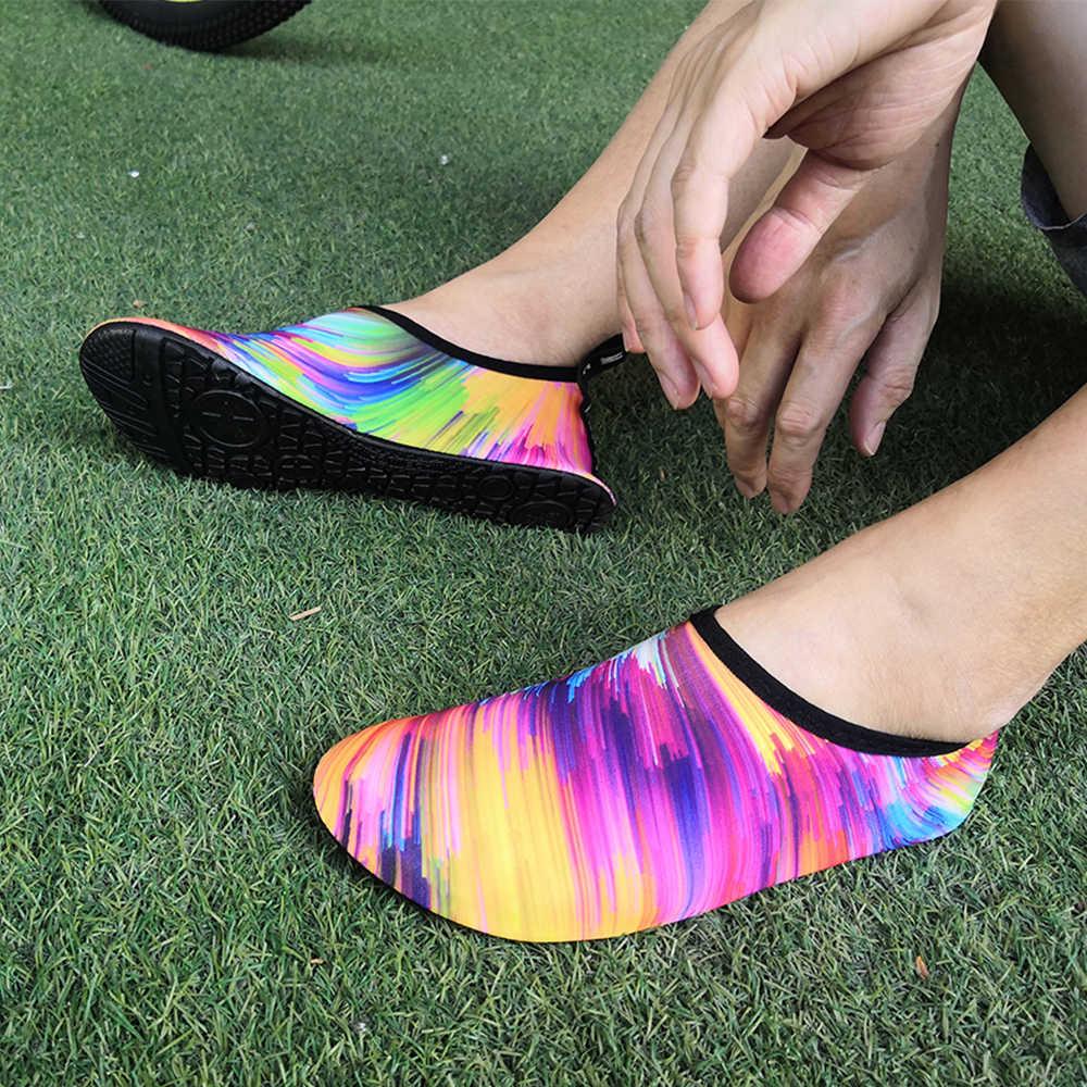 Zapatos de playa Unisex a la moda arcoiris, zapatos de agua elásticos clásicos para hombre y mujer, zapatos de agua ultraligeros para nadar, zapatos acuáticos