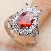 مستوحاة الأحمر العقيق 10*10 ملليمتر شبه الكريمة حجر فضة كول للمرأة حلقة Q2340