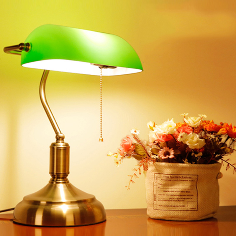 Vintage Desk Lamp green glass lampshade table lamp for coffee shop study bedroom bedside lamp night table Light abajur Lamp modern industrial style table lamps lights for bedroom bedside folding desk lamp clip dimmer led light clamp lampshade abajur