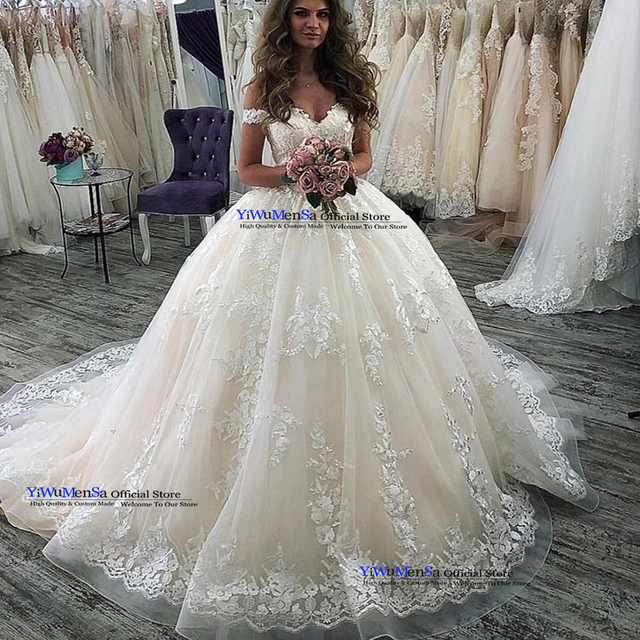 Vintage Short Sleeve Wedding Dress Ball Gown Bridal Gowns Custom Made Princess Appliques Wedding Dresses Robe De Mariee 2019