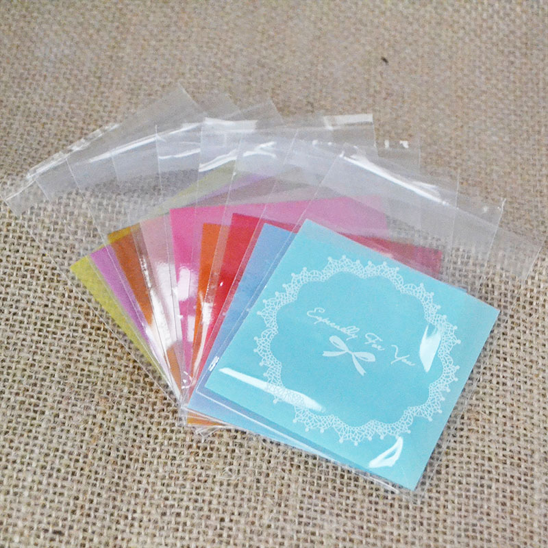 50Pcs 7*7cm Multicolor Plastic Lace Wreath Bag Candy Cookie Gift Bag Frosted OPP Birthday Party Candy Packaging Bag