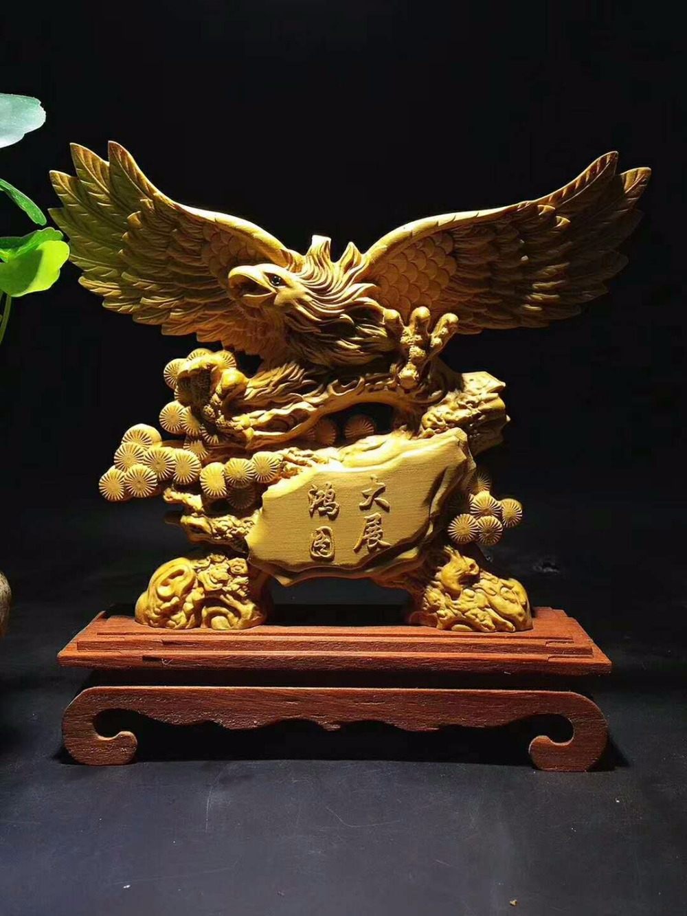 Try new Thuja wood carving ornaments crafts Eagle soar cloud Home Furnishing ornaments.Try new Thuja wood carving ornaments crafts Eagle soar cloud Home Furnishing ornaments.