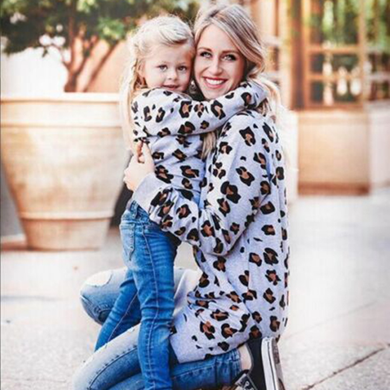 2019 New Mommy Me Matching Leopard Print T Shirt Long Sleeve Round Neck Family Matching Cotton Pullover Tops