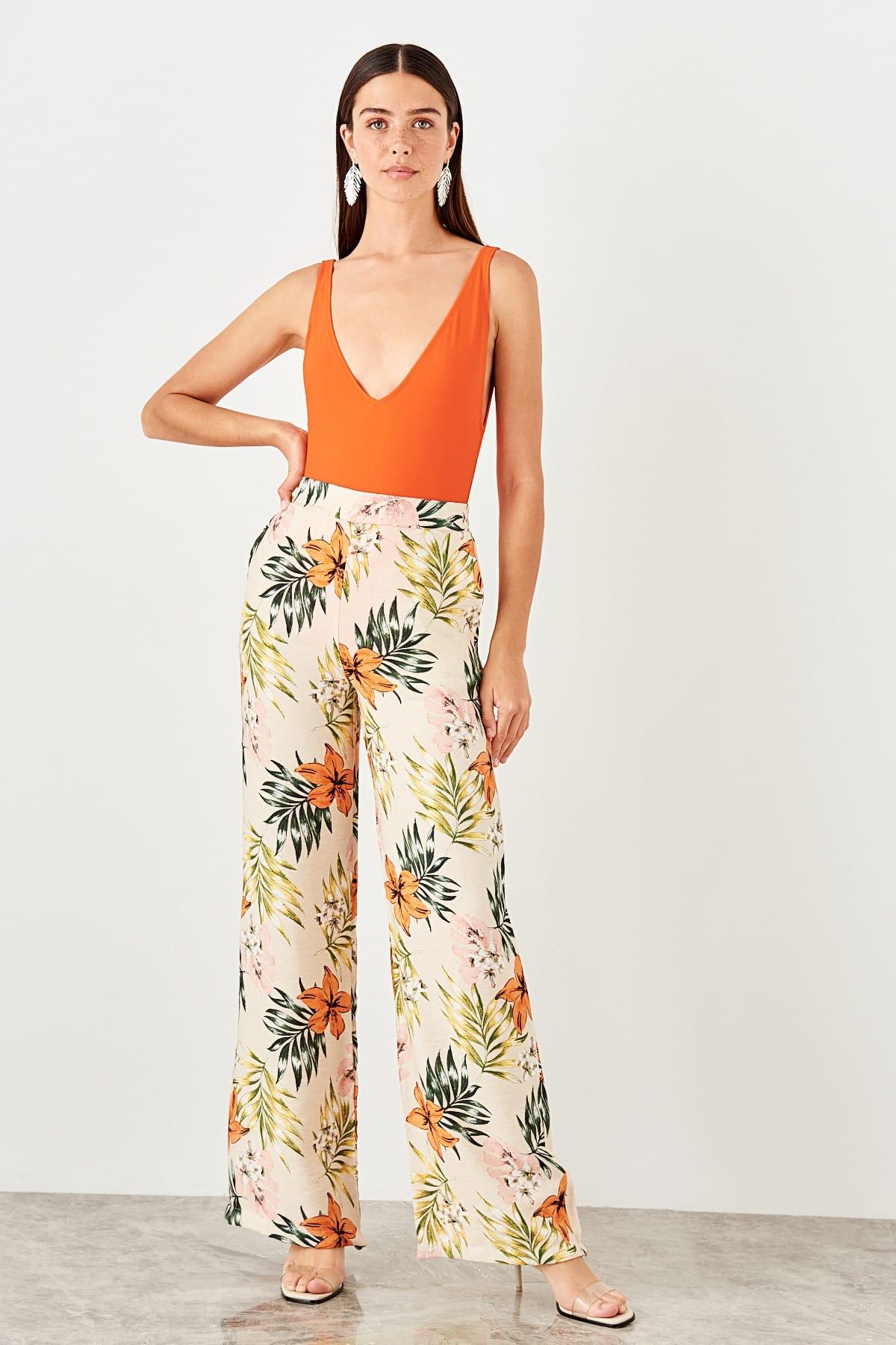 Trendyol Beige Flower Print Pants TWOSS19PL0079