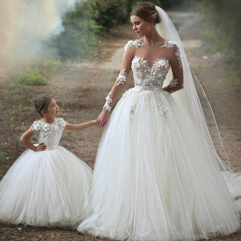 Vintage Lace Appliques Bodice Shear Long Sleeves Ball Gown Wedding ...